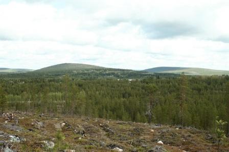 Näkymä Ukerovaaralta kylään päin.